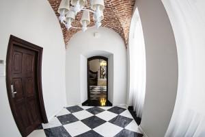 Zamek zaadaptowany na hotel według koncepcji Dżus GK Architekci