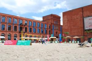 Łódzka Manufaktura zbudowała plażę