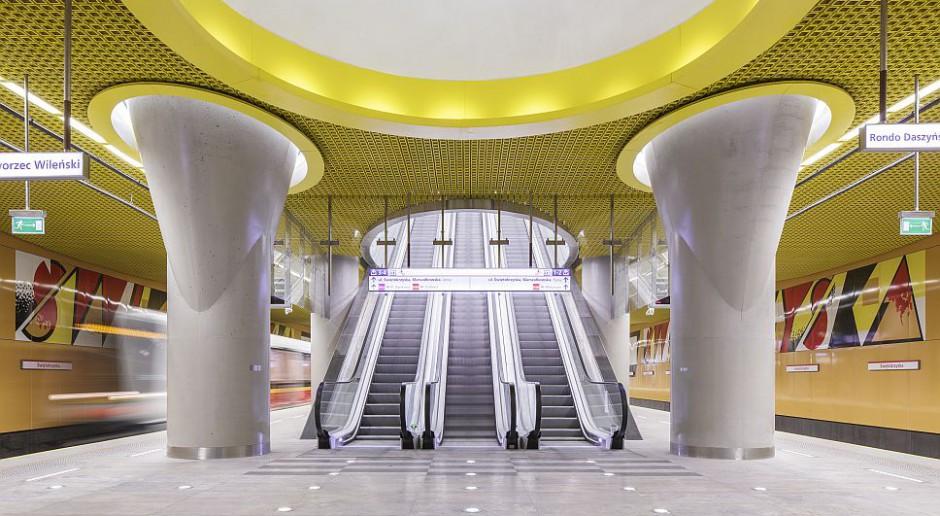 Prace absolwentów ASP w warszawskim metrze