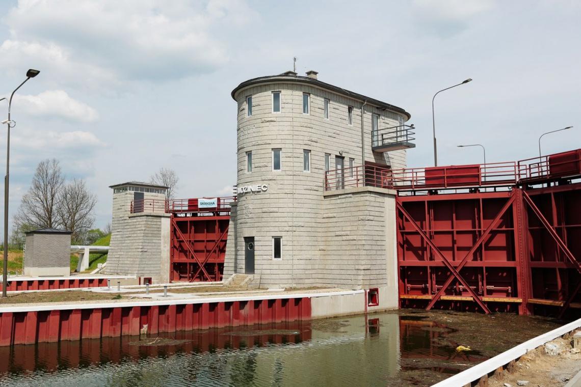 Spektakularna operacja inżynierska - Skanska przebudowała Kanał Gliwicki