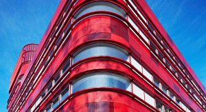Zobacz krwistoczerwony budynek projektu FAAB - ten kolor ma znaczenie