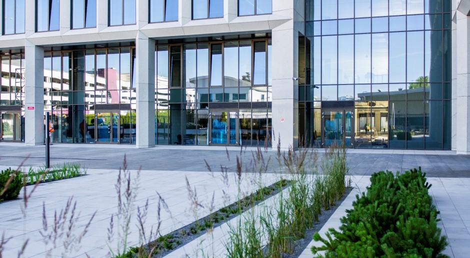 Domaniewska Office Hub, spod kreski DDJM, już wita najemców