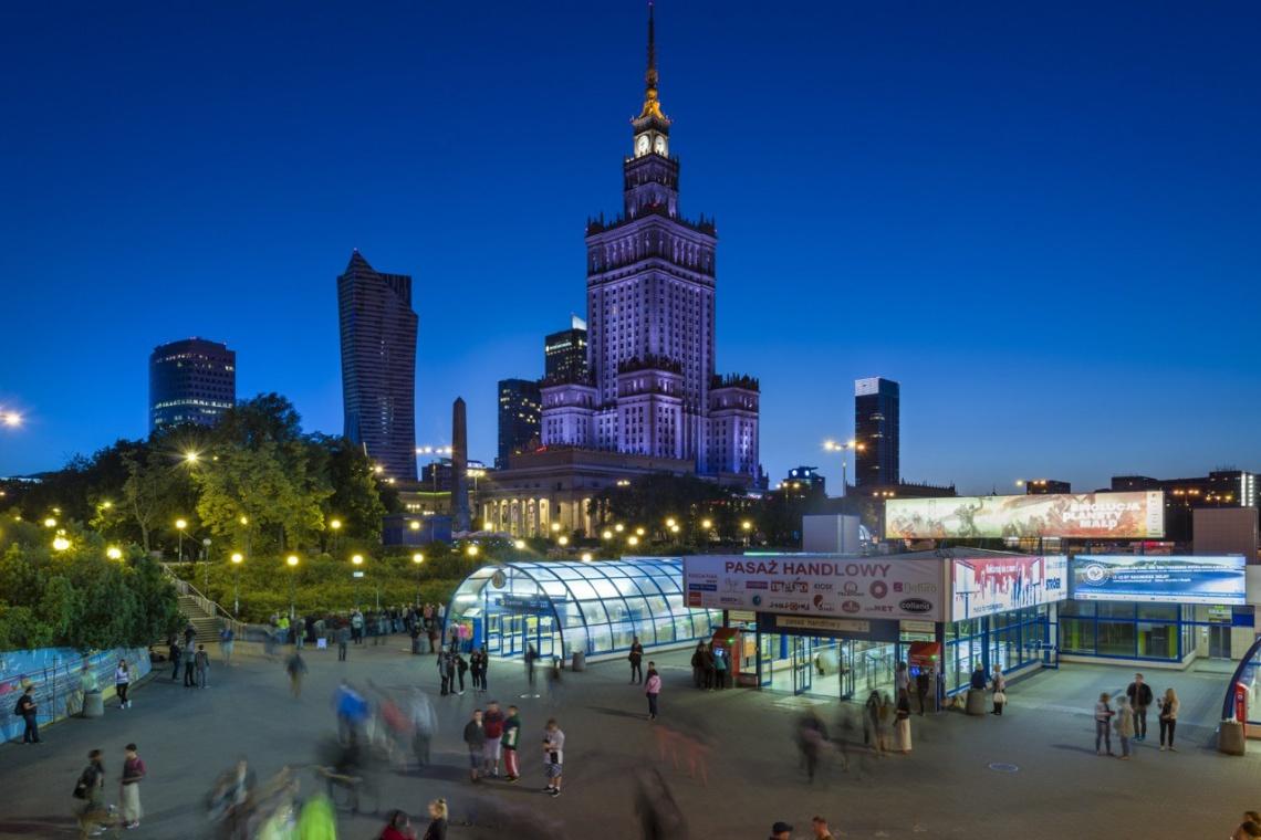 Dobre praktyki dla szyldów i witryn wreszcie w Warszawie