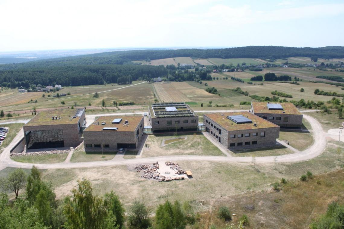 Tak wygląda Centrum Edukacji Geologicznej w Chęcinach. To projekt WXCA