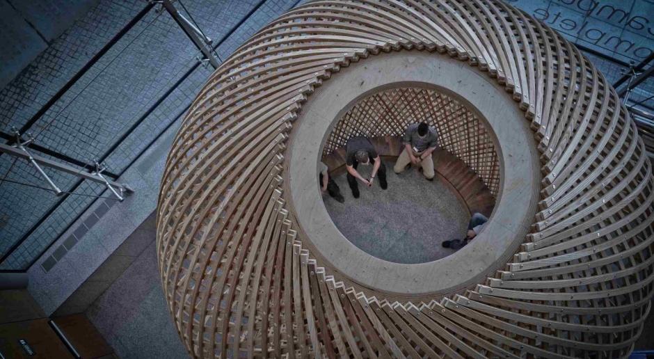 Oazy kontemplacji i wyciszenia z drewnem w tle