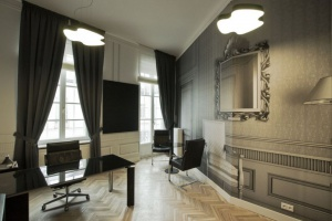 TiM Grey Interior Design zaprojektowali biuro A T. Kearney w Pałacu Młodziejowskich