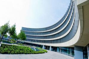 Biurowiec Royal Wilanów, projektu JEMS Architekci, już otwarty