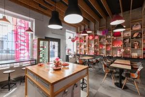 Różowe Love - najbardziej różowa kawiarnia projektu Mode:lina