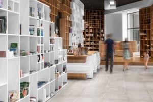 Biblioteka może być nowoczesna i designerska - jak w projekcie SoNo Arhitekti