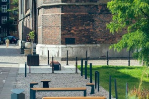 Gdańsk z nowymi, designerskimi meblami miejskimi