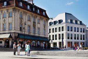 Zielony budynek przy Placu Zamkowym. Na jakie eko-technologie postawiono w projekcie?