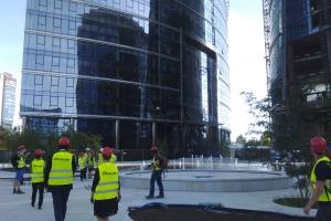 Pierwszy pokaz fontann przy Warsaw Spire