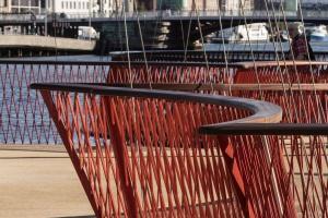 Niezwykły most pieszy niczym taras widokowy i miejsce spotkań