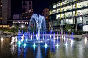 Jak wyglądają fontanny na Placu Europejskim? Zobacz wideo