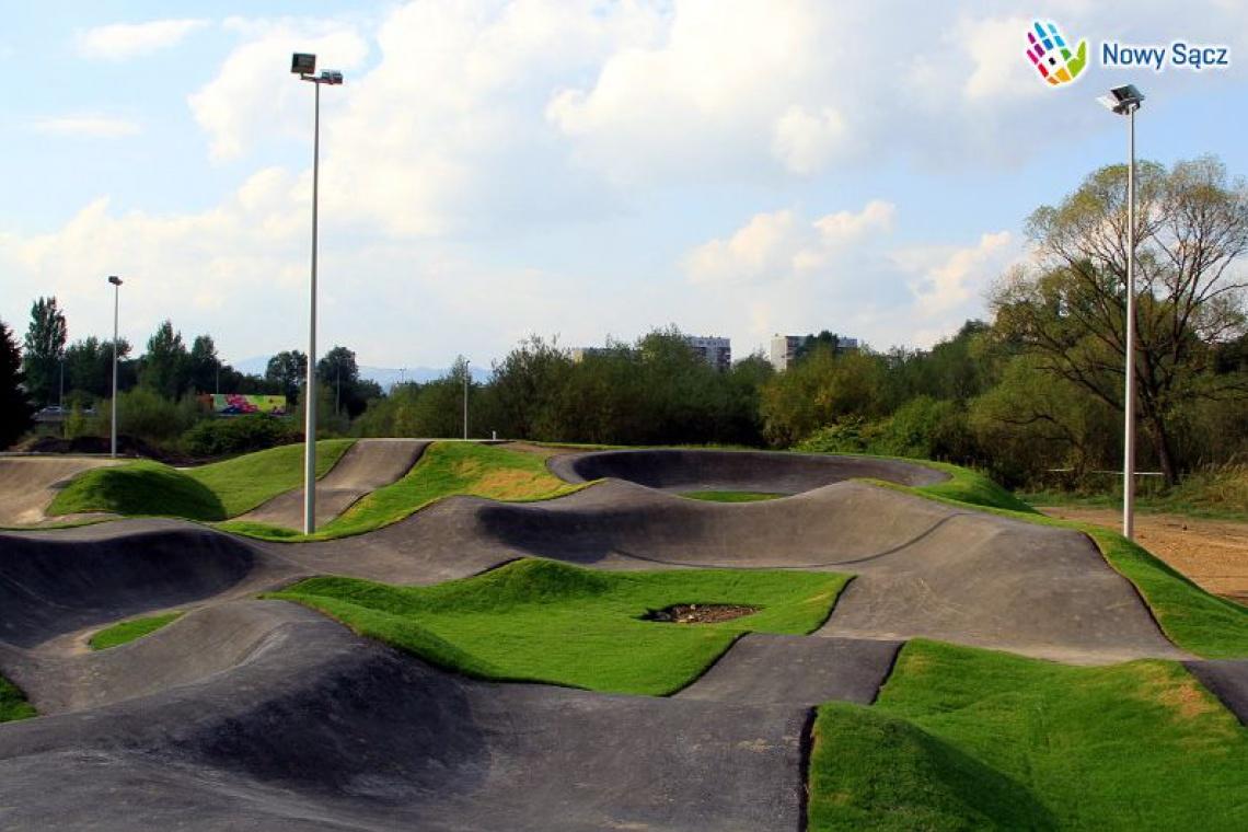 To nie skatepark, to pumptrack - największy w Polsce tor rowerowy