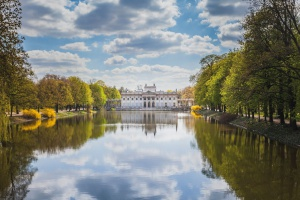 Ogród Pałacu Myślewickiego w Łazienkach przejdzie rewitalizację