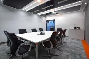 Odważne i industrialne – takie jest biuro firmy LeasePlan od JMP Service