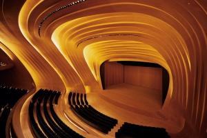 Zaha Hadid zaczarowała azerską kulturę w drewnie