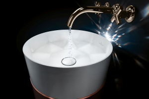 Umywalka niczym biżuteria do salonu… kąpielowego