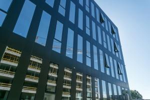 Trwa budowa biurowca w kompleksie Tensor