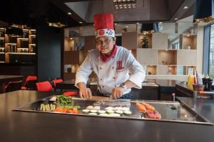Kultowa sieć japońskich restauracji Benihana z pierwszym lokalem w Polsce