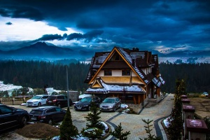 Hotel Kopieniec z nutą góralszczyzny otworzył podwoje