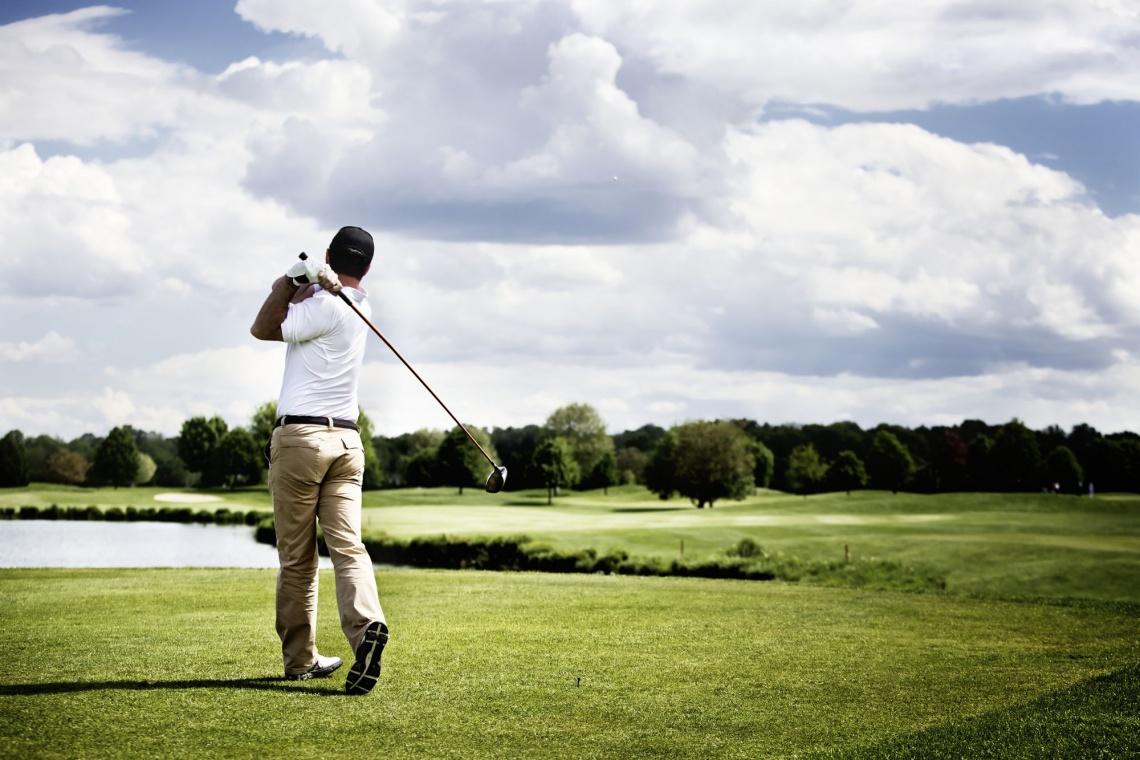 Pole golfowe, hotel i restauracja w Śląskim Ogrodzie Botanicznym