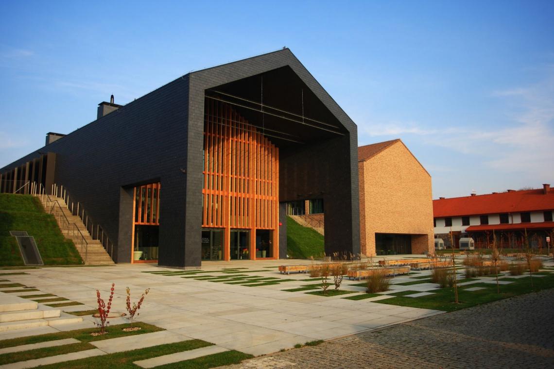 Wiejska stodoła inspiracją dla architektury hotelu Skansen