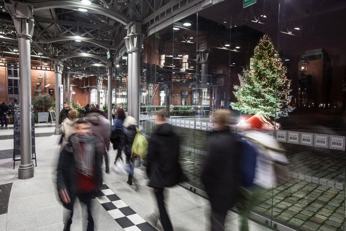 Iluminacje świąteczne w Starym Browarze - nie tak prędko