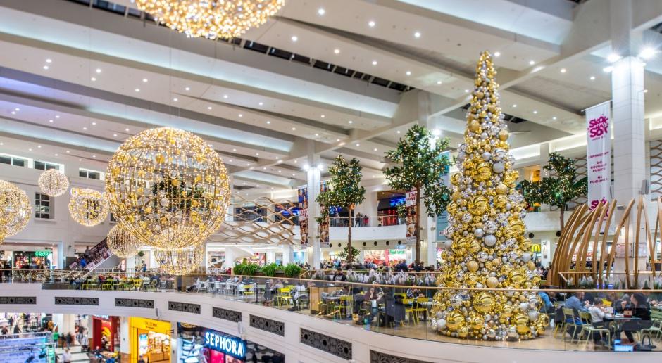 Centra handlowe w świątecznej oprawie