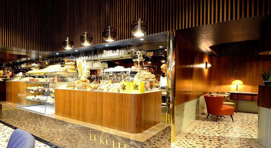 Lukullus na Chmielnej - kawiarnia w stylu ekskluzywnego PRL