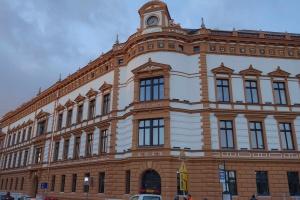Gmach główny wrocławskiej Akademii Muzycznej jak nowy
