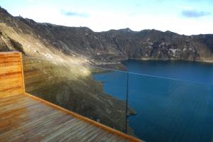 Niezwykły taras widokowy na wulkanie - Quilotoa Shalalá Overlook