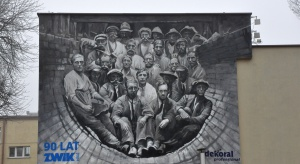 Łódź z kolejnym muralem