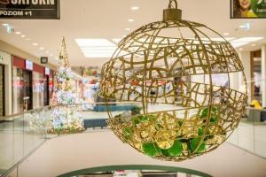 Zielone Arkady błyszczą dzięki iluminacji świątecznej