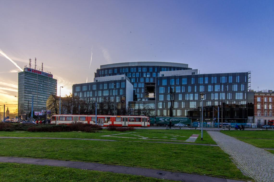 Tryton Business House o krok od otwarcia. Zobacz zdjęcia