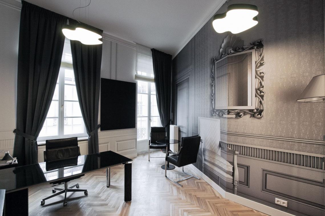 Funkcjonalne i nietuzinkowe biuro od TiM Grey Interior Design