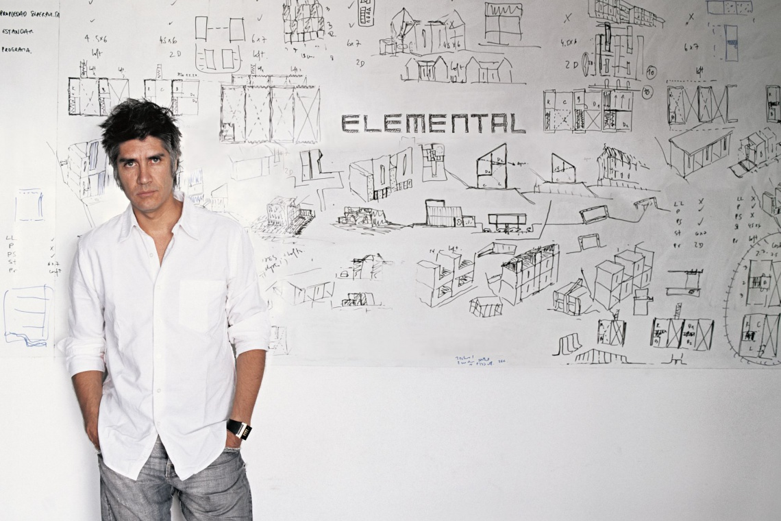 Alejandro Aravena z Nagrodą Pritzkera 2016