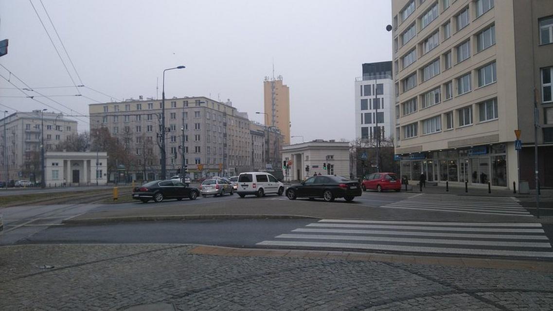 Plac Unii Lubelskiej może być bardziej przyjazny dla pieszych