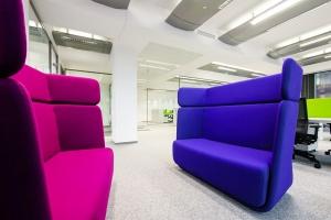 TOP 10: Te biura stawiają na intensywny kolor