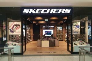 Industrialny styl pierwszego w Polsce sklepu Skechers