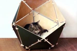 Design dla kota - geometryczne, drewniane budki