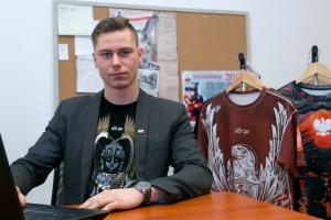 Odzież prawdziwie patriotyczna - polskie wzornictwo i produkcja