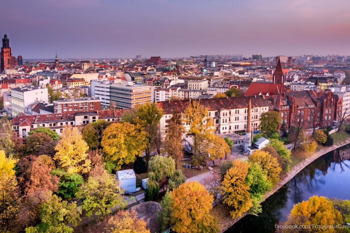 Bulwar Staromiejski we Wrocławiu łączy sztukę z codziennością