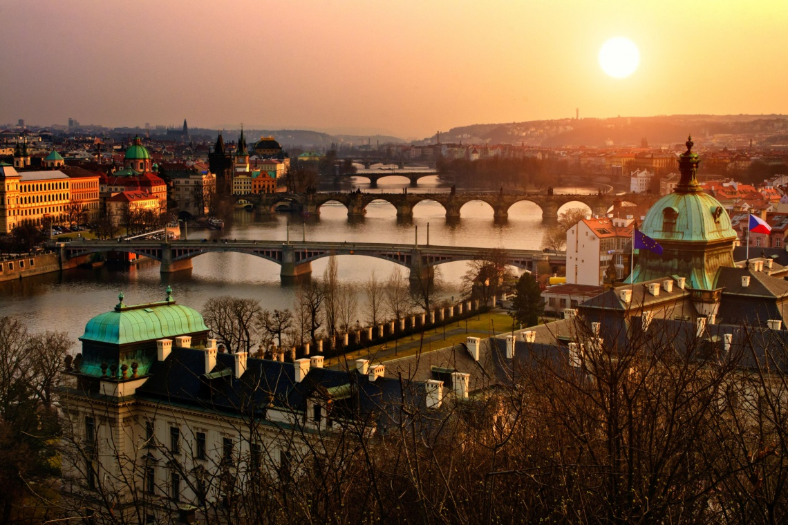 Most Karola w Pradze znów pomalowany przez wandala