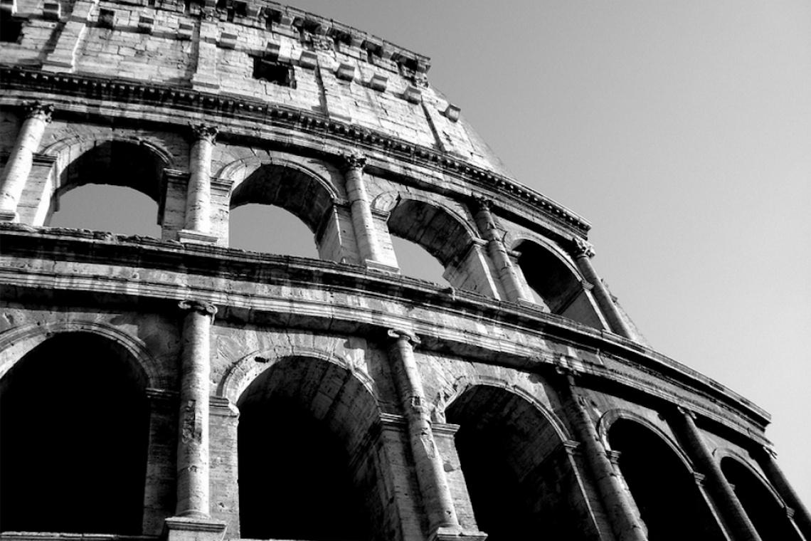 Rzymskie Koloseum wypowiada wojnę wandalom