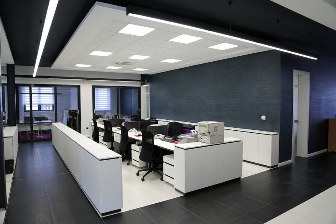 Oświetlenie biura - czy warto wybrać LED?