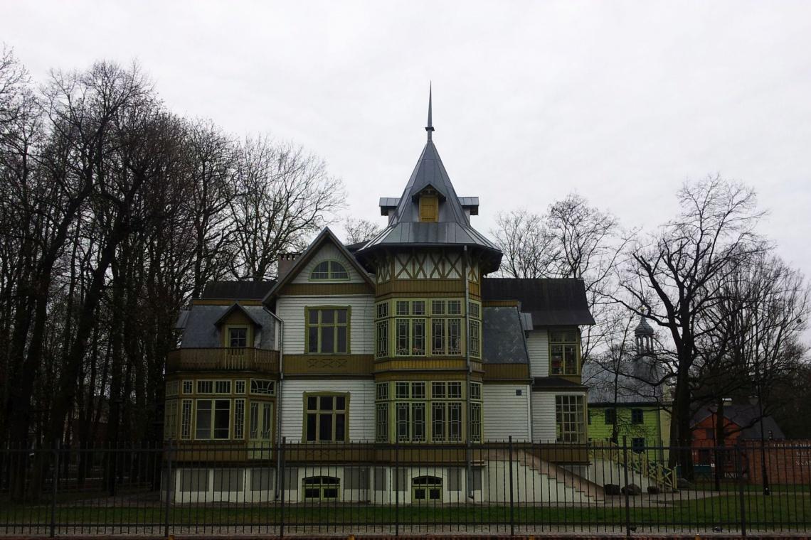 Aż 13 mln na modernizację Białej Fabryki i Skansenu Łódzkiej Architektury Drewnianej