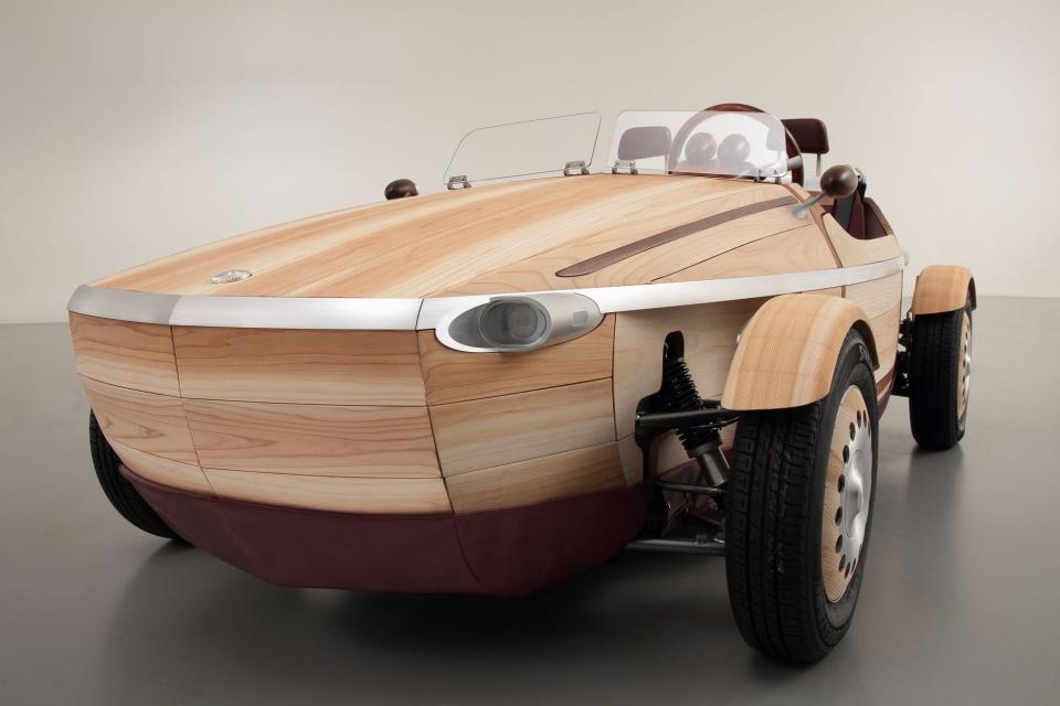 Luksus z drewna - zobacz designerskie auto od Toyoty