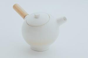 Jan Kochański zaprojektował czajnik w ramach nietypowej kampanii społecznej